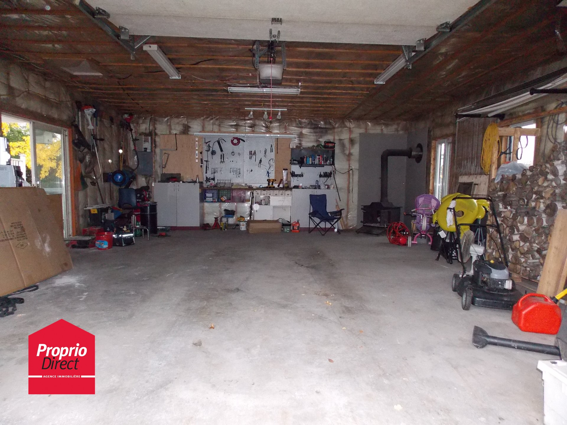 Maison de plain pied vendre 333 rg du bas de la for Garage ad sainte foy de peyroliere