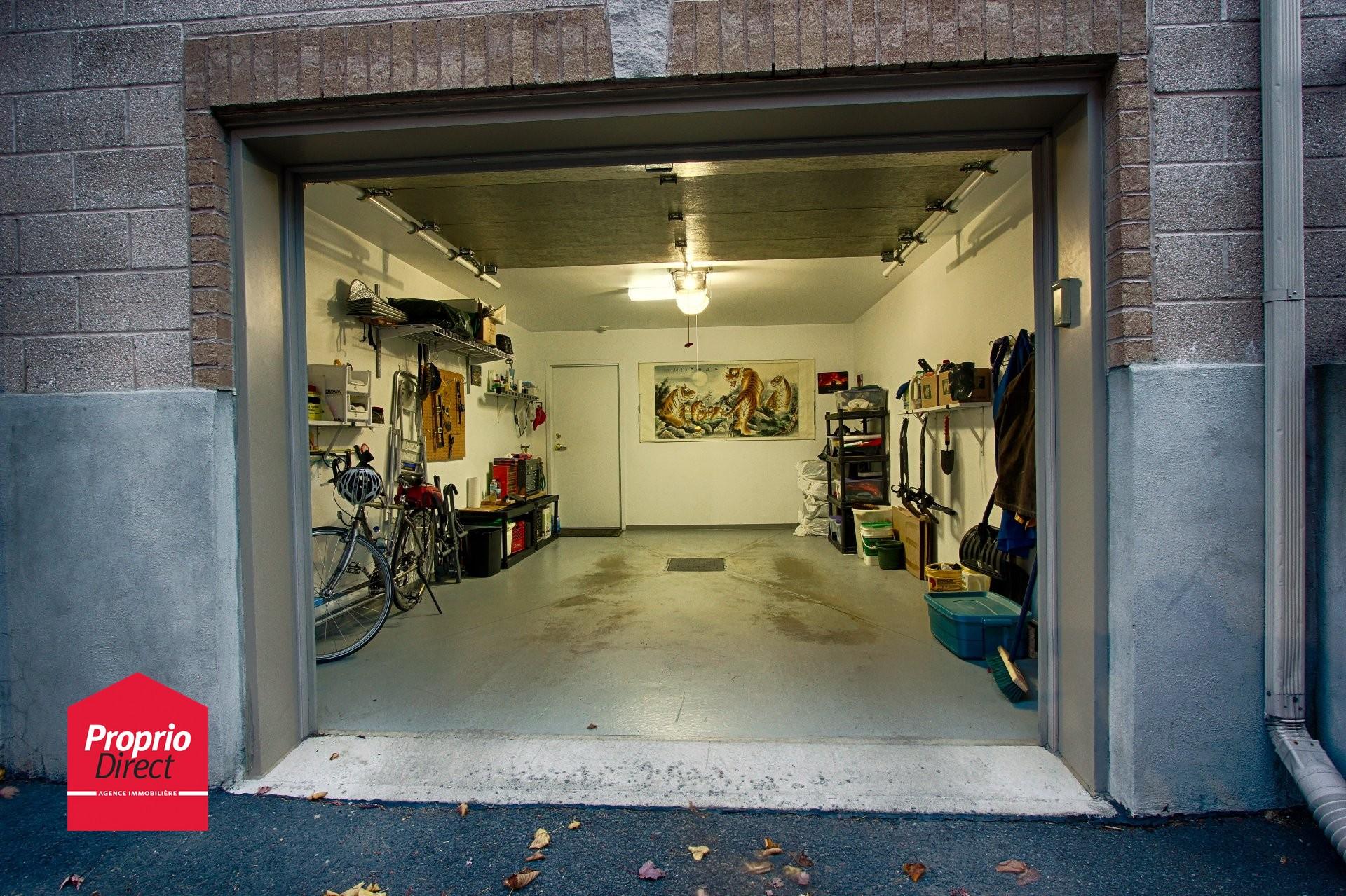 Condo vendre 2293 rue racine 301 saint hubert for Garage ad saint thurial