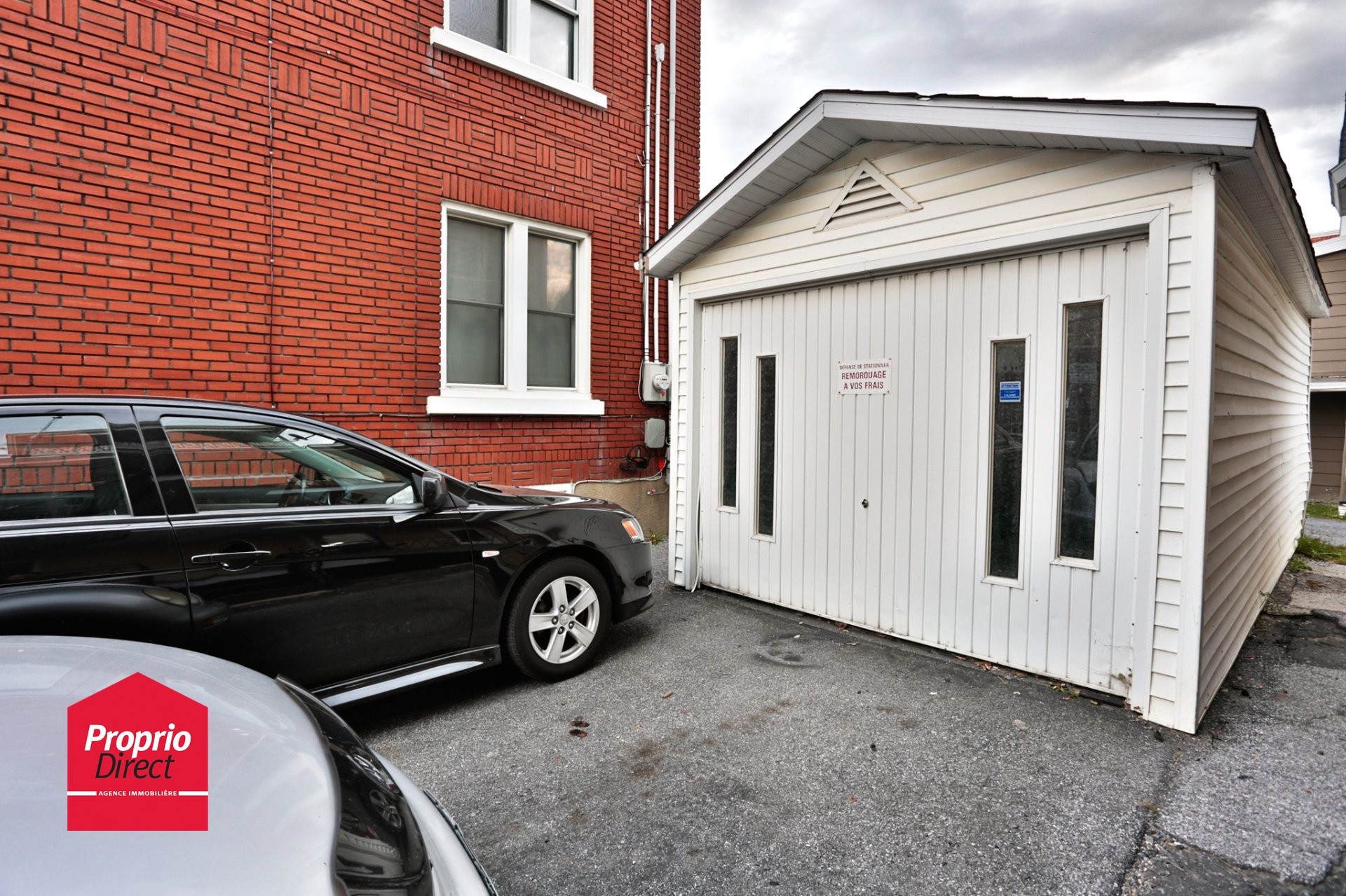 Duplex vendre 1055 1065 av raymond saint hyacinthe for Garage ad saint thurial