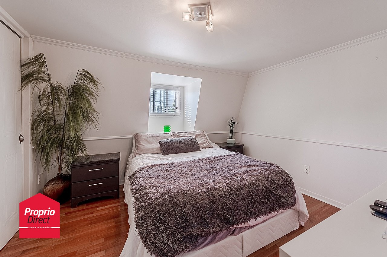 Maison tages vendre 970 boul de l 39 assomption for Acheter une chambre a coucher