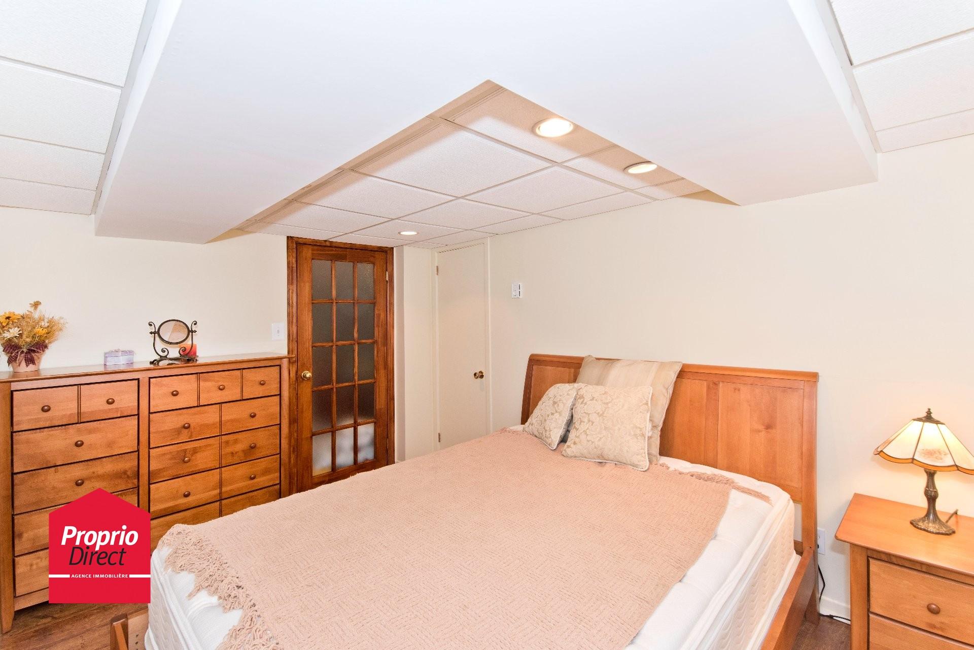 Maison de plain pied vendre 912 av br beuf val d 39 or for Acheter une chambre a coucher